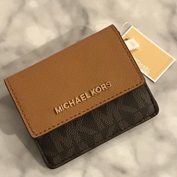 4153d6a5c2f5f Michael Kors Jet Set Travel Card Case Wallet